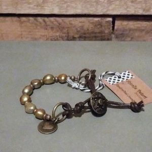 Amalie Peters Pearl Leather Charm Bracelet Gold